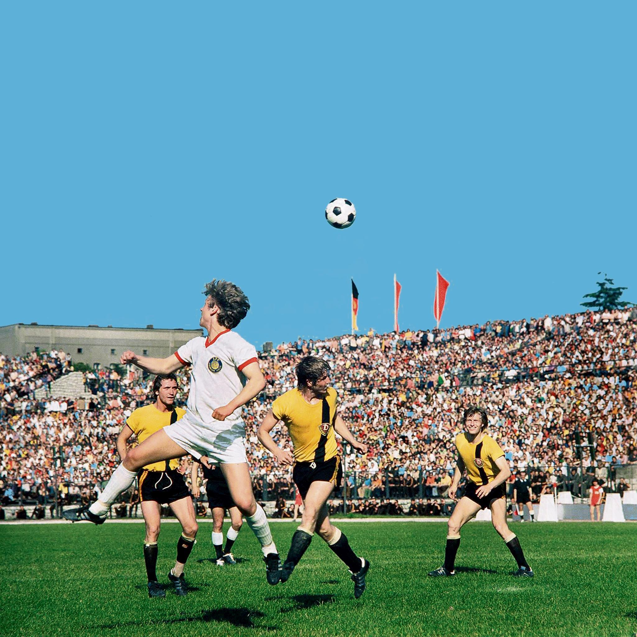 Dynamo: Away Days: Football Army Dynamo Dresden
