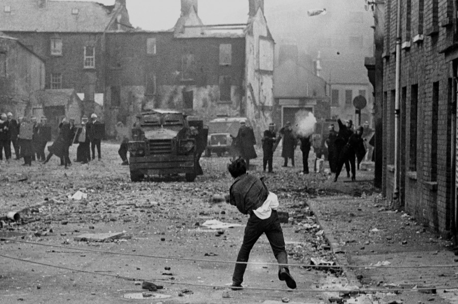 petrol_bomb_v_rubber_bullets_derry_uk_august_19691-920x610.jpg